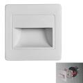 LED Stopniščna svetilka STEP LIGHT LED/1,5W/230V srebrna