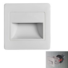 LED Stopniščna svetilka STEP LIGHT LED/1,5W/230V srebrna